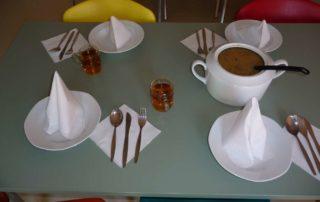 Ukázka prostřeného stolu