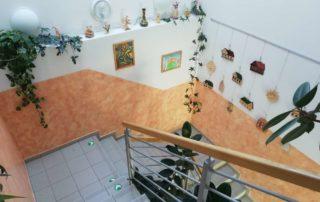 Vstupní schodiště v budově D