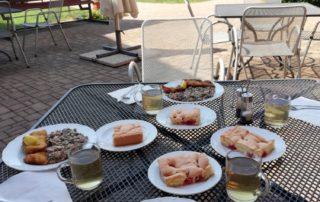 Letní stolování na terase